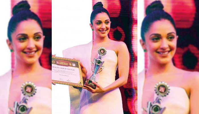 Asiavision Awards 2018:- Actress Kiara Advani receives the Emerging Star Of The Year Award!