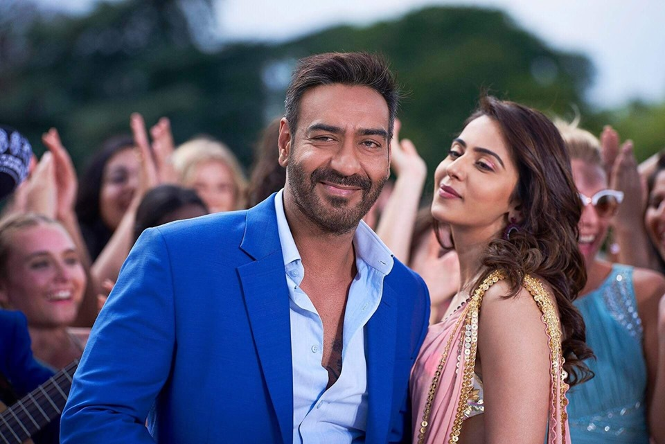 De De Pyaar De 2nd Day Collection, Ajay-Tabu-Rakul starrer takes Good Growth on Saturday