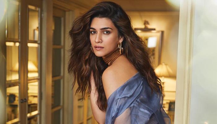 Confirmed: Akshay Kumar will romance Kriti Sanon in Farhad Samji's Bachchan Pandey