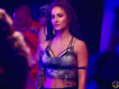 Elli AvrRam Open Up About her Grunge Look in Malang