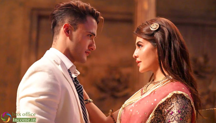 Jacqueline Fernandez and Asim Riaz's Mere Angne Mein Crosses 30 million views!