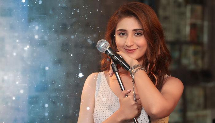 Dhvani Bhanushali's Song Psycho Saiyaan Crosses 360 Million Views All Across!
