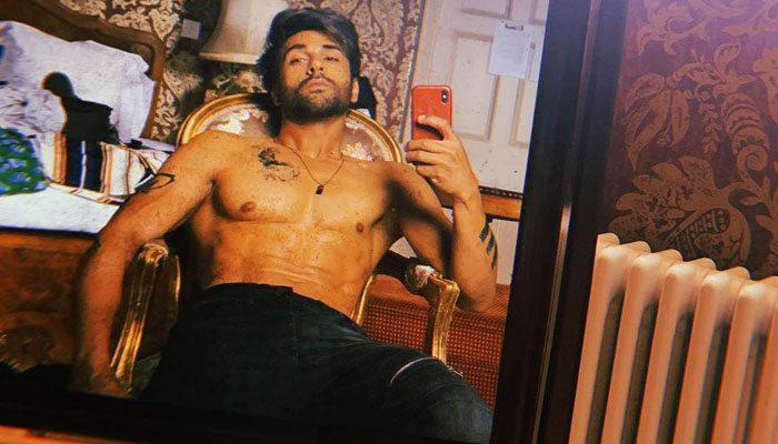 Pulkit Samrat drops his new look from Bejoy Nambiar's Taish