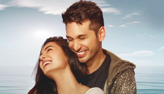 Sonal Chauhan and Arjun Kanungo team up for new music video, 'Fursat Hai Aaj Bhi'