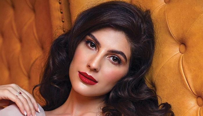 Elnaaz Norouzi begins shooting for 'Sangeen' post missing 'Antim' opposite Salman Khan