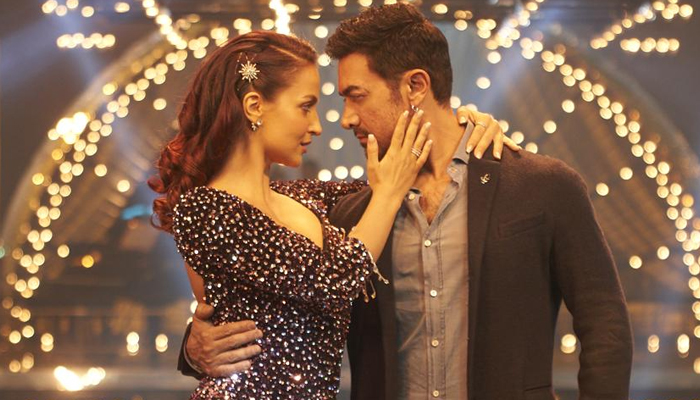 Aamir Khan and Elli AvrRam set your screen on fire in Har Funn Maula from Koi Jaane Na