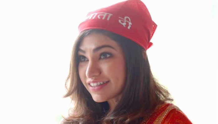 Tulsi Kumar feels blessed to get an opportunity to perform Live at the Vaishno Devi shrine on the auspicious occasion of Navratri