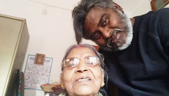 Actor Dibyendu Bhattacharya loses his mother, As he shoots in Turkey!