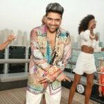 Guru Randhawa stuns us with his new dapper look from his upcoming single!