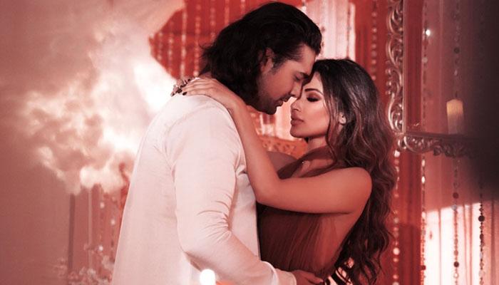Jubin Nautiyal Refused To Kiss Mouni Roy in T-Series upcoming song 'Dil Galti Kar Baitha Hai'