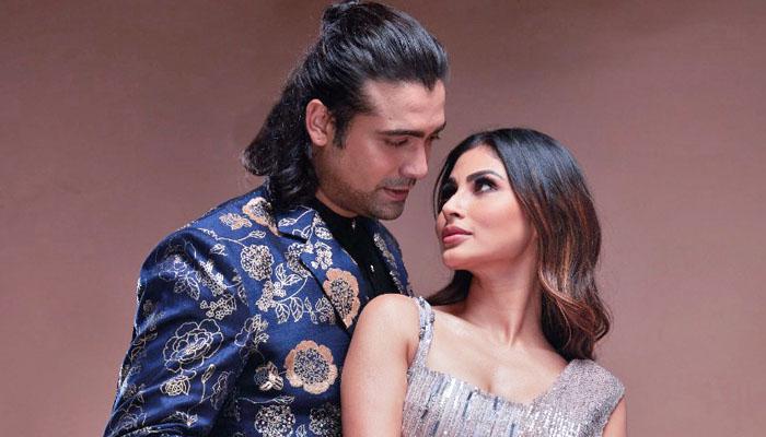 Here's How Mouni Roy pranked Jubin Nautiyal on the sets of 'Dil Galti Kar Baitha Hai'