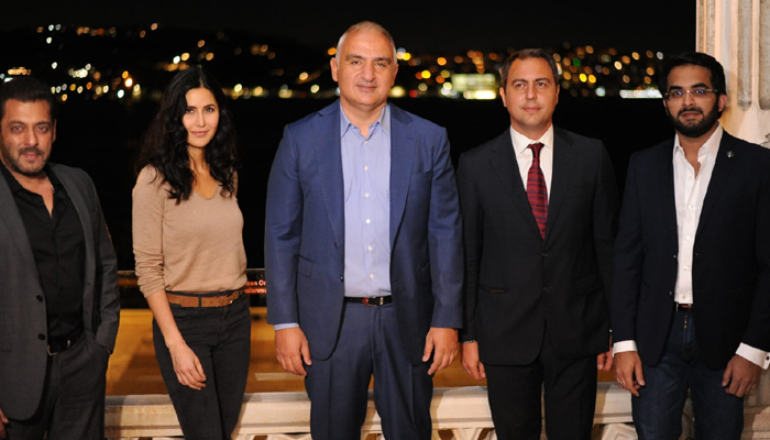 Tiger 3 stars Salman Khan and Katrina Kaif Meet Turkish Minister!