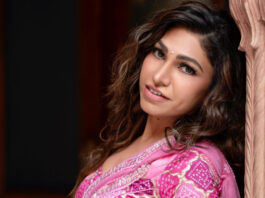 Tulsi Kumar looks breathtaking in her Indian regal look for her latest single 'Tera Naam'!